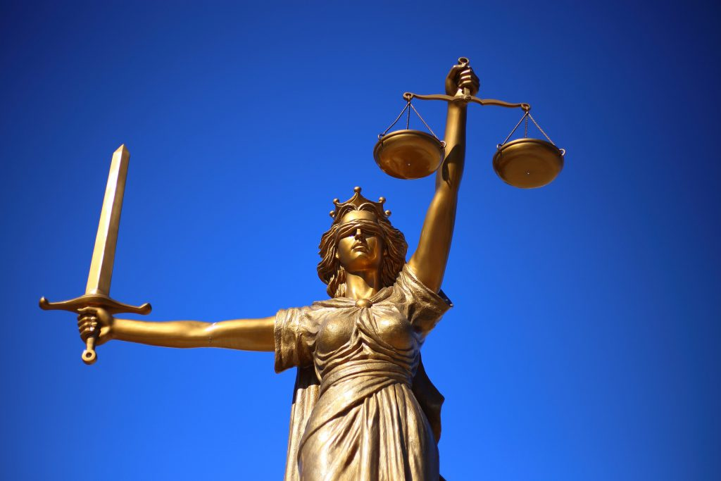 Sozialgericht entscheidet: Pflegekasse muss nicht für Treppenlift zahlen